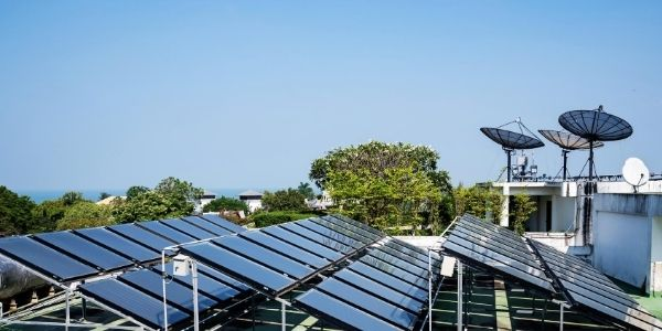 Optimizing rooftop solar electricity generation